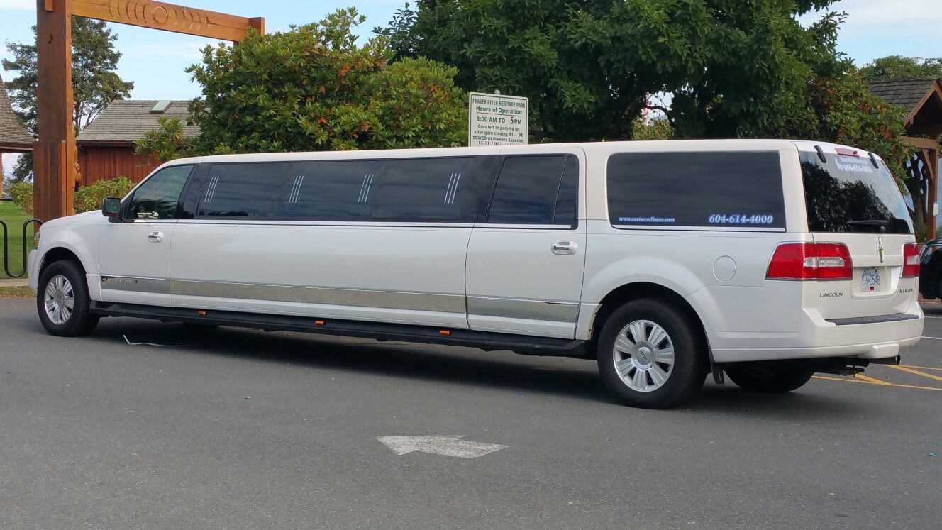 cheap limo rentals for prom near